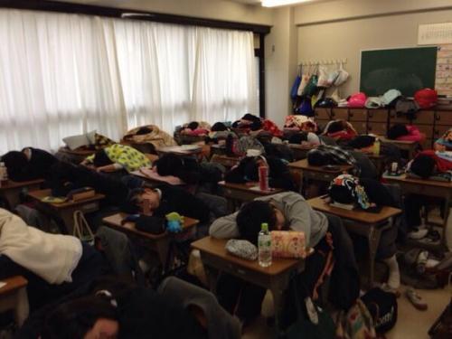 【衝撃】ヤバすぎる!!Twitterで見つけた女子校の実態・・・