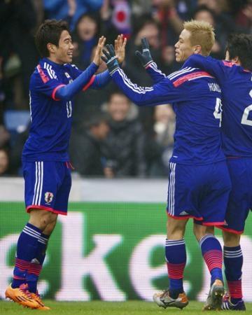 英紙が選ぶ「2013年サッカー選手TOP100」に本田と香川がランクイン! 1位メッシ、2位C・ロナウド、3位イブラ