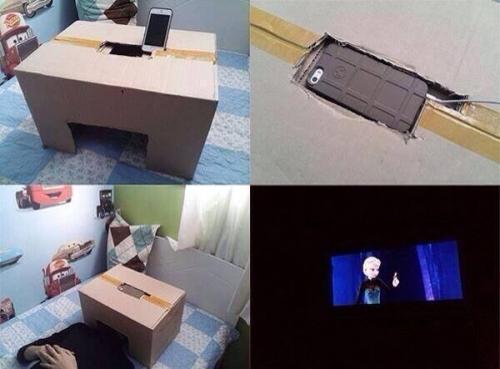 【画像】iPhoneと段ボールを使って、「映画館」を作った人が凄すぎると話題wwwwww