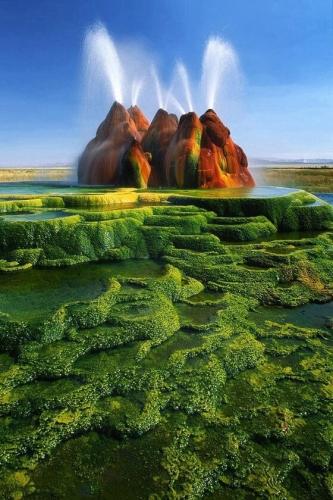 アメリカの砂漠にすげーのがあってワロタwwwwwww