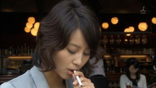 【悲報】 堀北真希に喫煙厨疑惑wwwwwwwwww