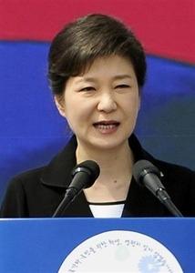 「歴史の傷えぐるな」=首相靖国参拝で韓国大統領