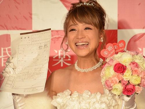 鈴木奈々(25)がついに結婚(≧▽≦)!