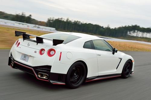 GT-Rって速いんだろうけど、日本の渋滞だらけの道じゃオーバースペックじゃね?