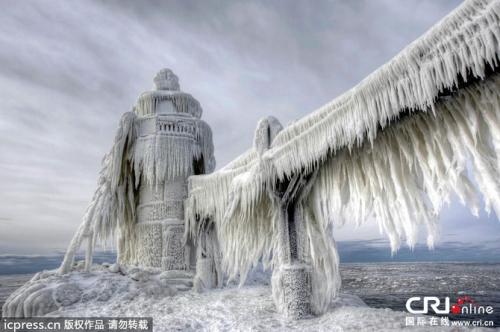 【画像】ブリザード様に襲われたミシガン州の光景がネ申がかっている件