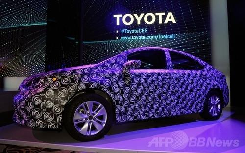 トヨタ、燃料電池車を来年発売! 100箇所の水素ステーション、約5分の補給で480km走行可能
