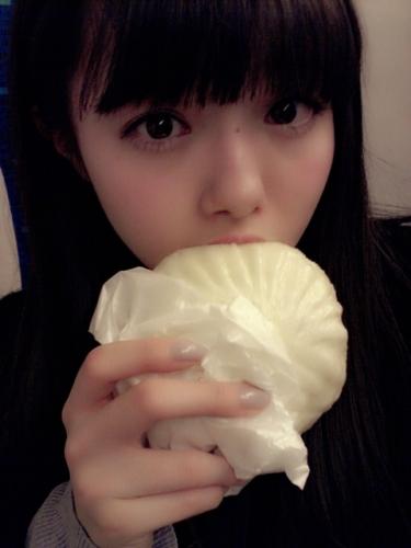 AKB48市川美織(19)の顔が豚まんより小さいと話題の画像をご覧ください