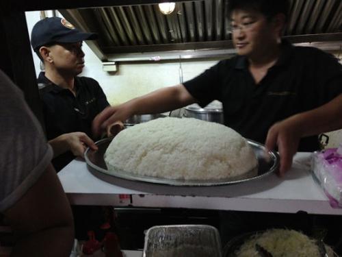 【画像】10kgカレーの写真wwwwwwwwww