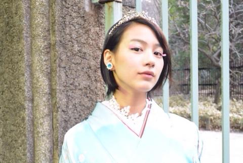 【画像】 能年玲奈がハタチの着物姿披露