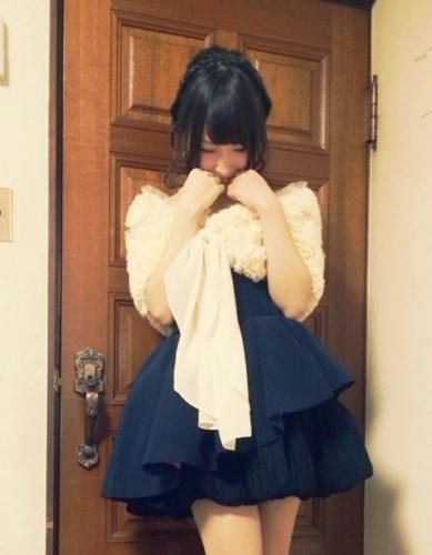 【悲報】NMB48島田玲奈が成人式の同窓会で男と寄り添っている写真が流出!ヲタ「ほげえええええええええ」