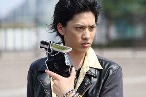 『仮面ライダー鎧武』初瀬役白又敦さんがブログで語る!初瀬ちゃんはまどマギのマミさんポジションだった模様