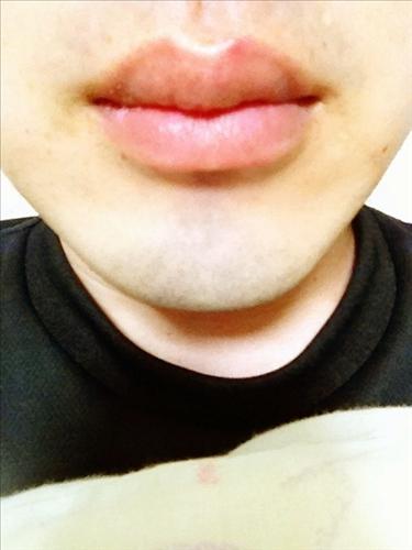 俺の唇が女に負けないくらいセクシー過ぎな件wwwww(画像あり)