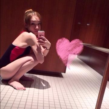 加護亜依「スクール水着みたい」な水着姿を公開【画像あり】