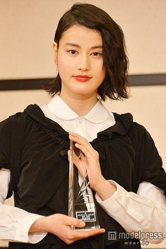 【悲報】 橋本愛 長方形