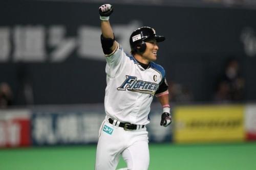 田中賢介って3割打てるセカンドだったのに