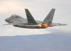 F-35買うくらいならF-22買えばよかったのに