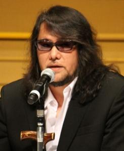 佐村河内氏「10歳でバッハを弾きこなし、大人数相手に喧嘩しても勝った」