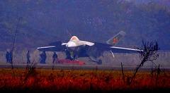 中国、J-20戦闘機が頻繁な地上テストを実施 近く初飛行へ