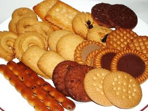 で、でた~口の中でクッキー圧縮奴wwww