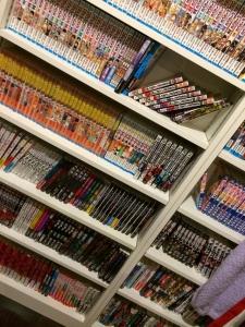 AKB48高橋みなみの本棚にあるマンガww