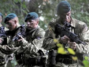 カッコいいイギリス軍の画像を貼るスレ