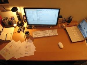 職場の机が汚い奴は仕事ができない