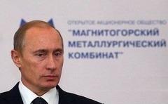 ウクライナ情勢 ロシア軍、空軍基地を制圧か 銃声が響く クリミア境界は封鎖