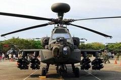 台湾の最新装備 ミサイル16枚装着した攻撃ヘリ「AH-64Eアパッチ」の勇ましい姿