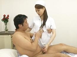 美人看護婦に勃起を見られまさかのセックスww