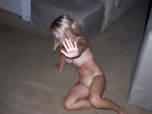 【衝撃画像】白人の性的なイジメヤバすぎwwwwこれはくっそ抜けるわwwwwwwwwwwwwww