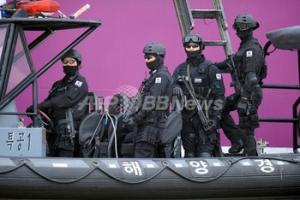 【速報】韓国大統領、責任の擦り付け合い宣言!権限を最大利用し、海洋警察庁を解体wwwwwwwww