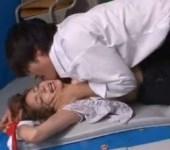 鈴木一徹 腕を縛られて黒幕の男に体育倉庫でレイプされる美人先生