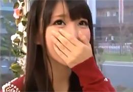 【 アダルト動画 】 「えっ、おっきい…」初めて見る巨根に驚く美人大学生を駅弁でハメる~www♪
