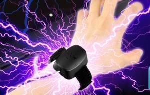 【!?】ゲームテックが、振動するリストバンド付き「アーケードスティックコントローラー」を開発!なんだこれwwwwww